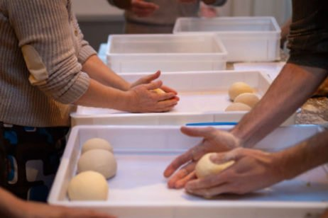 pizza workshop italieplein: deegbolletjes maken