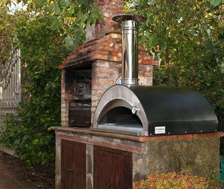 houtoven pizzaiolo in buitenkeuken