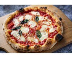 Ooni houten pizzaschep serveren